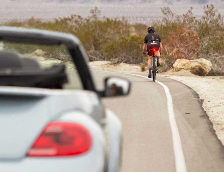 És ignorado na estrada? Torna-te visível com luz de bicicleta diurna