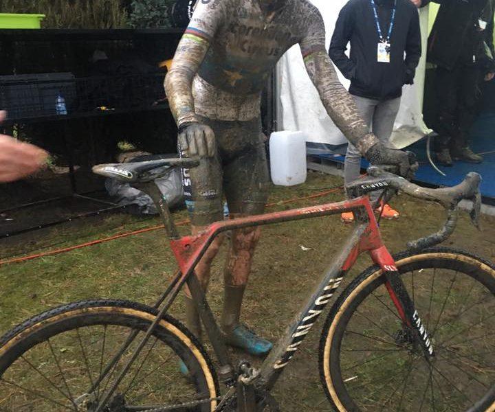 Mathieu Van der Poel já pedala com a nova Canyon Inflite (com vídeo)