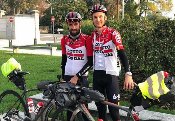 """""""The final Breakaway"""" – Os ciclistas """"World Tour"""" fazem cicloturismo."""