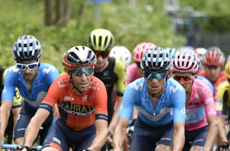 """Giro de Itália, etapa 15 – Carapaz é mais líder e """"o Tubarão"""" mordeu"""
