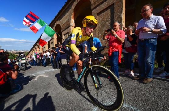 Giro de Itália, etapa 1 – Primeira exibição de Primoz Roglic