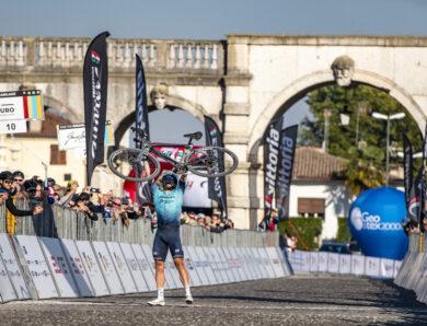 Equipas do World Tour participaram no  Serenissima Gravel